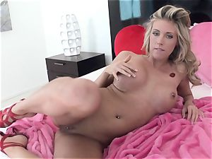 kinky ultra-cutie Samantha Saint gets too scorching to treat for one solo act