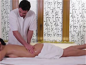 Relaxxxed - torrid oily massage and voluptuous Christmas plumb
