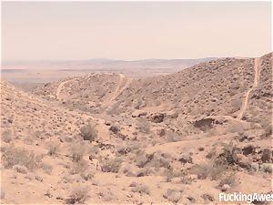 Gabriella Paltrova smashes in the Desert