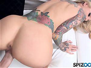 watch Sarah Jessie take a fat pink cigar inside her