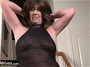 USAWives mature nymph Jade solo getting off