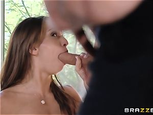 India Summers displays Sara Luvv how to plow her fellow