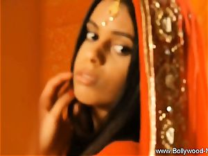 Exotic paramour From Bollywood