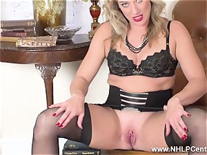 ash-blonde finger pounds wet fuckbox in girdle vintage nylons