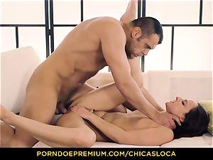 CHICAS LOCA scorching Amirah Adara wild lovemaking and facial cumshot