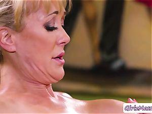 masseuse Jill Kassidy rubdown Brandi love body and tongues her moist cunt