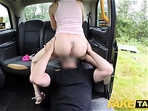 fake taxi Skipping college for backseat hook-up in cab