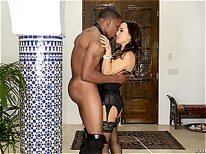 elegant Lisa Ann rides a phat and youthful bbc