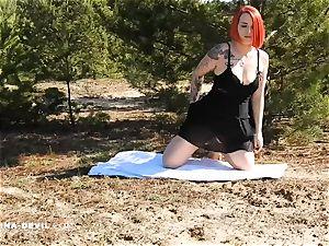Outdoor Striptease Nina demon