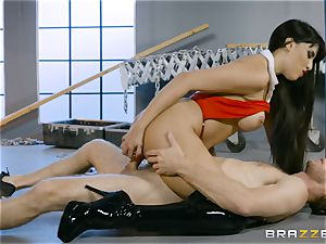 hot vampire babe Mercedes Carrera rails rock-hard man meat