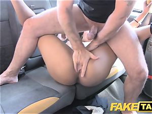 fake cab brown-haired sucks ravages and takes it in the bootie