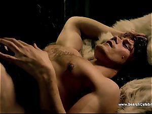 Caitriona Balfe in super-steamy hook-up scene from Outlander