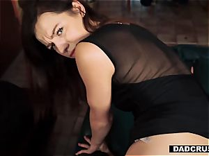tiny beautiful step-daughter Avery makes father kinky